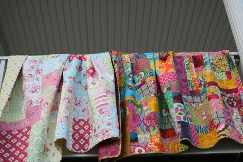 Pics of giveaway quilt and messenger bag 032