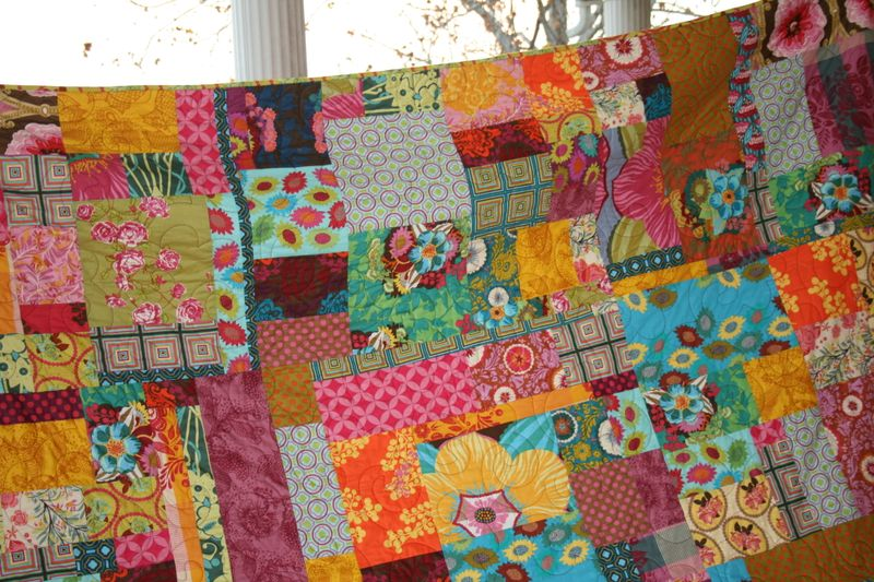 Pics of giveaway quilt and messenger bag 024
