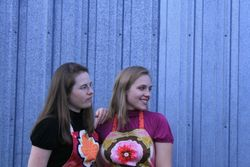 Chic sisters apron shoot 051
