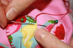 Flower tee tutorial - blanket stitch 2