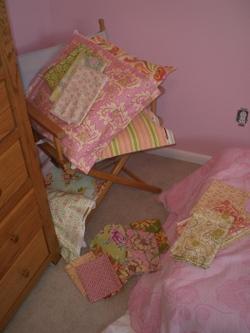 Apphias_bedroom_006