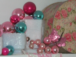 Decorating_with_ornaments_004_2