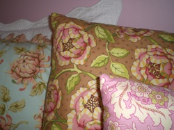Apphias_pillows_008