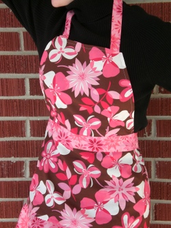 Apron_full_with_flounce_002
