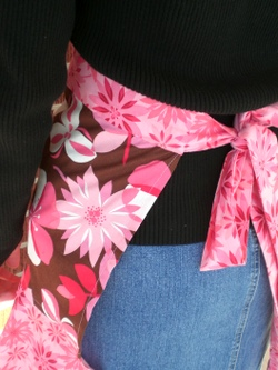Apron_full_with_flounce_017